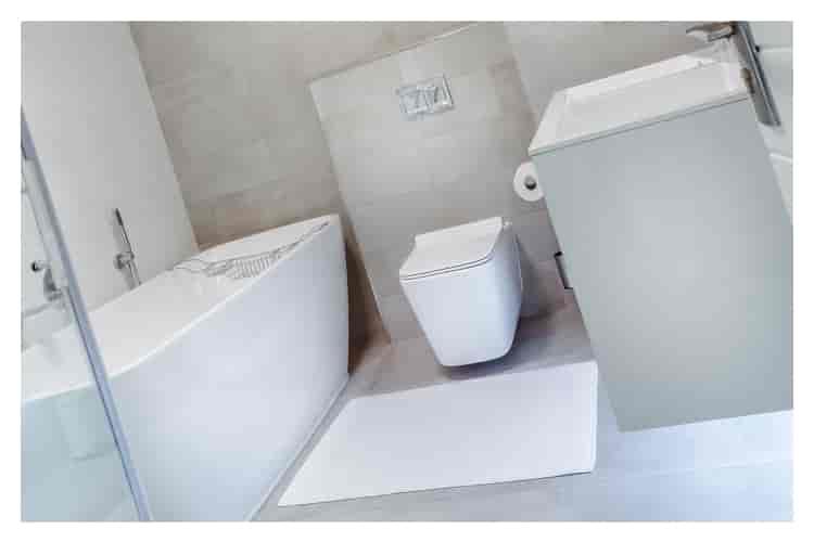 tuvalet-temizliği-için-ağız-çalkalama-suyu