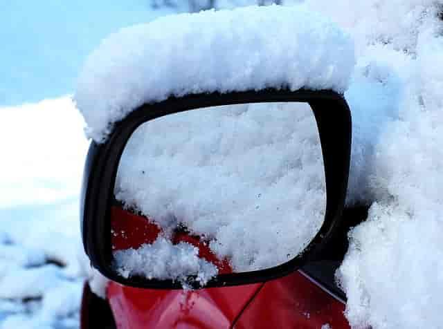 buzlanmış araba camı nasıl temizlenir