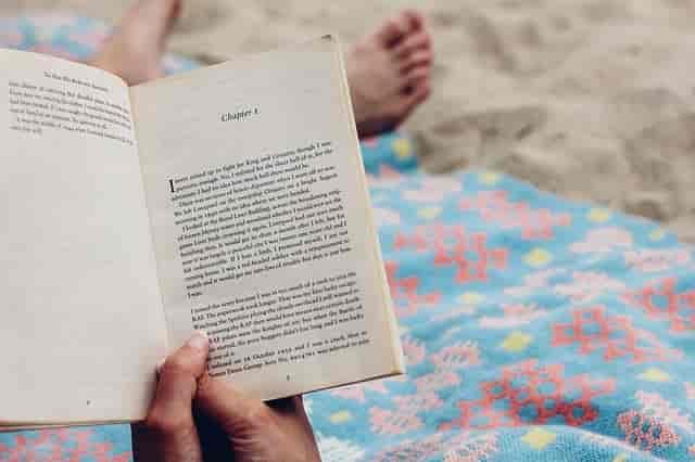 yatarken-kitap-okuma