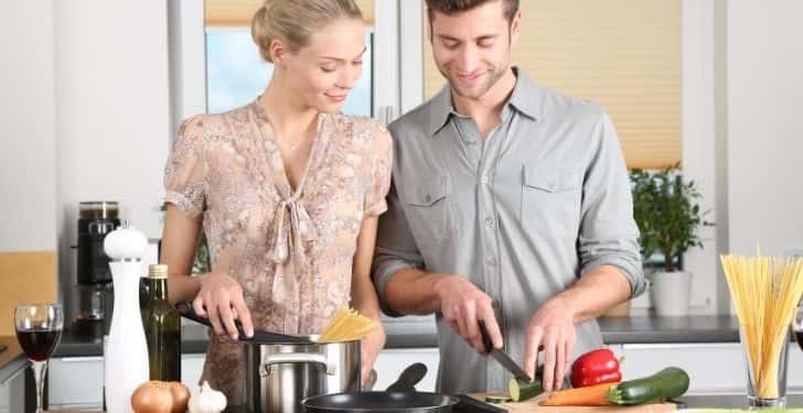 Eşinize yemek hazırlayın