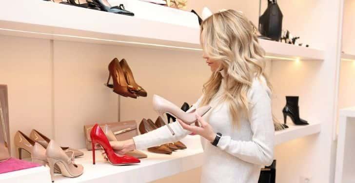 Eşinizi alışverişe götürün