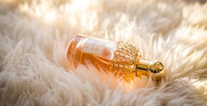 Parfüm Nasıl Kullanılır