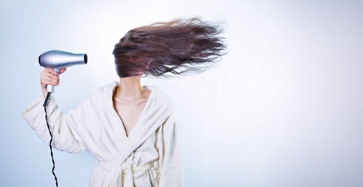 Saçları hacimli gösterme